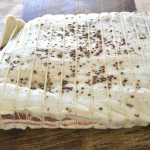 Lardo al pepe su tagliere-Agrisalumeria del Bosco